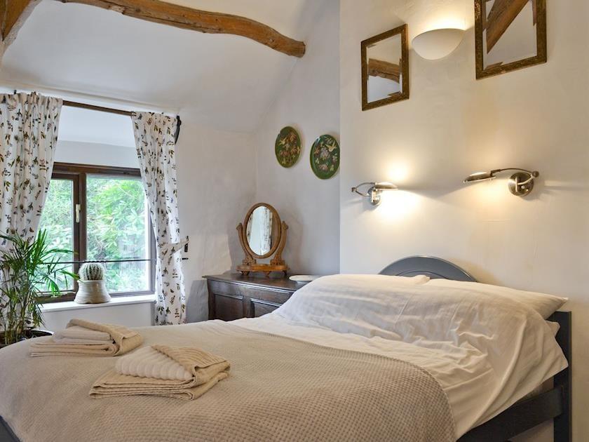 Comfortable double bedroom | Brynhoreb, New Cross near Aberystwyth