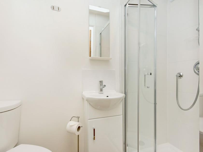 En-suite shower room | Rockvale 1, Salcombe