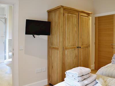 En-suite | Strathspey - Paddockhall Cottages, Linlithgow, near Edinburgh
