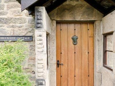 Brookside cottage in beeley near chatsworth derbyshire for Brookside cottages