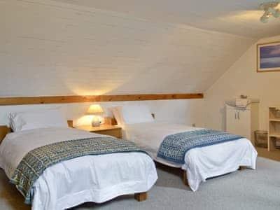 Relaxing twin bedroom | Hen EfailOld Smithy, Tregaron