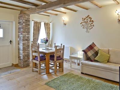 Open-plan living space | Puffin Cottage - Manor Farm Cottages, Buckton, near Flamborough