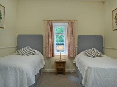 Cosy twin bedroom | Fernwoodlea - Old Inzievar Cottages, Oakley, near Dunfermline