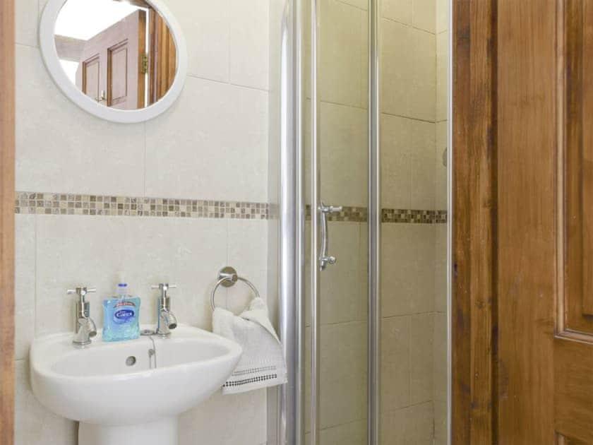Family shower room | Whitsun Brook - Brookfields, Abbots Lench, near Evesham