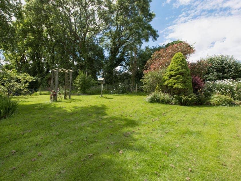Large lawned garden | Penhill Chase, Hillhead, near Kingswear