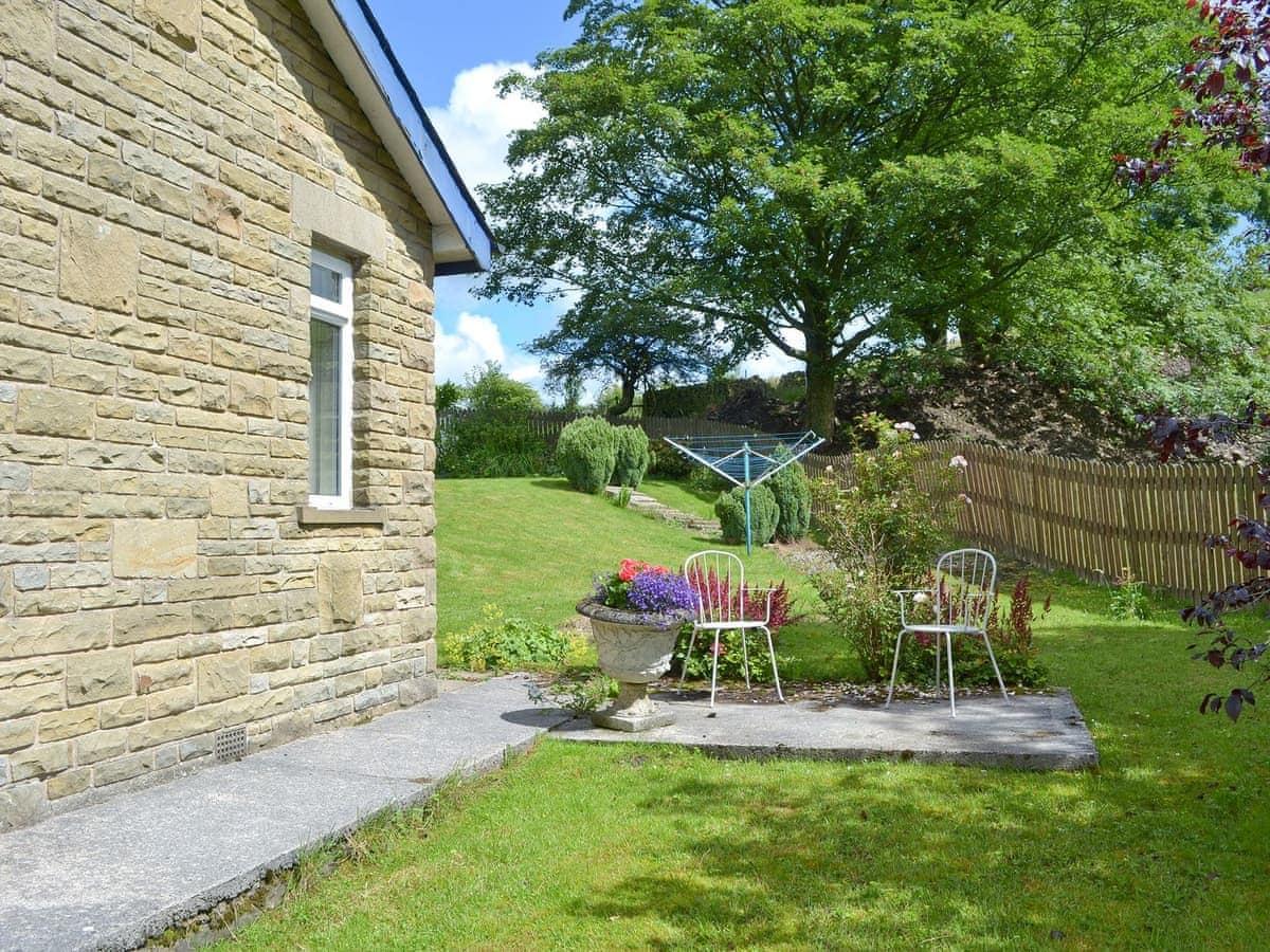 ... Garden With Seating Area | Fairfield, Barley, Near Clitheroe ...
