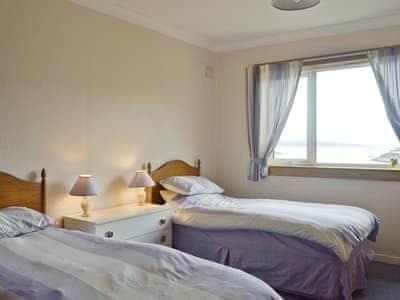 relaxing twin bedroom | Rockcliffe, Tarbert, Loch Fyne