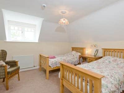 Twin bedroom | Neuaddlas Country House, Tregaron, near Aberystwyth