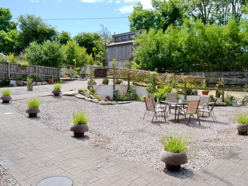 Delightful garden and grounds   Alta Lyn Barns, Lynton