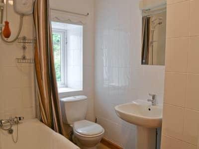 Bathroom | Oak Lea, Seldom Seen near Thornthwaite