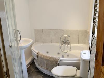 Bathroom | Cobblers Cottage, Pateley Bridge