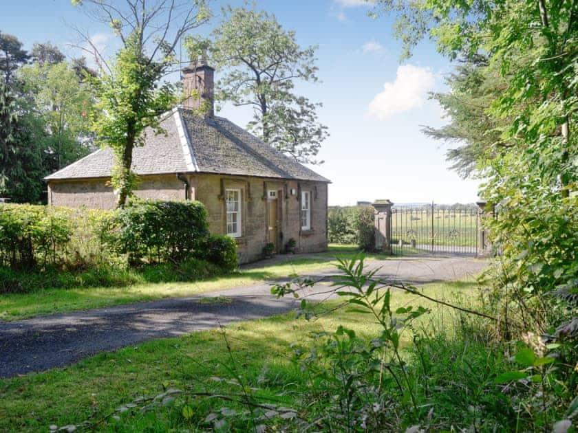 Gilmilnscroft Estate - Gilmilnscroft Gatehouse