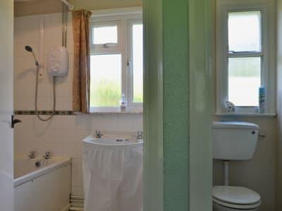 Bathroom | Glanlleiriog, Llanrhaeadr-ym-Mochnant