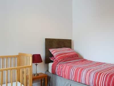 Single bedroom | Ard Meanish - Eas Mor and Ard Meanish, Milovaig, Glendale