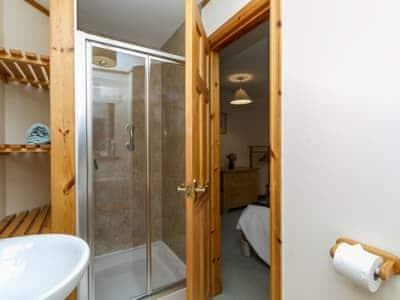 Shower room | Seabird Cottage, Broadford, Isle of Skye