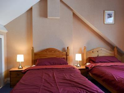 Twin bedroom | Ratcliffe Cottage, Keswick