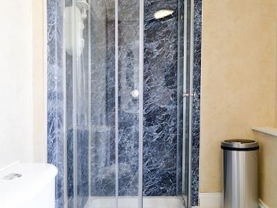 Shower room | Ratcliffe Cottage, Keswick