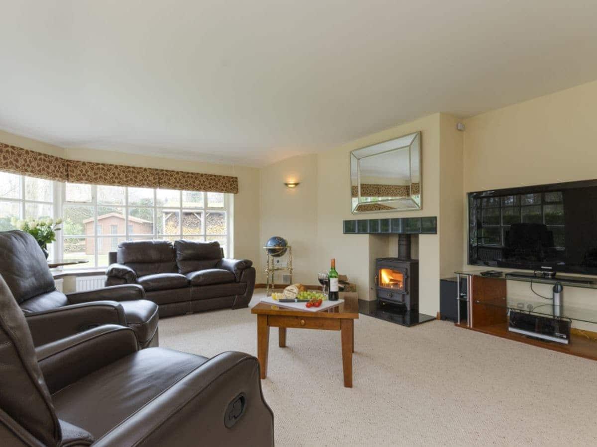 Nottingham Spacious Main Living Room