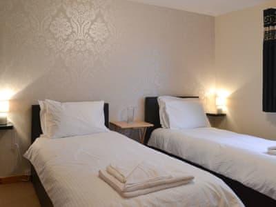 Restful twin bedroom | Sunart, Kiltarlity, near Beauly