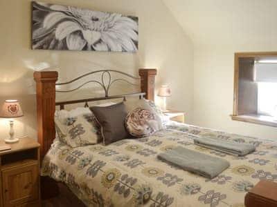 Comfortable double bedroom | Airyhemming Dairy - Airyhemming, Glenluce, near Stranraer