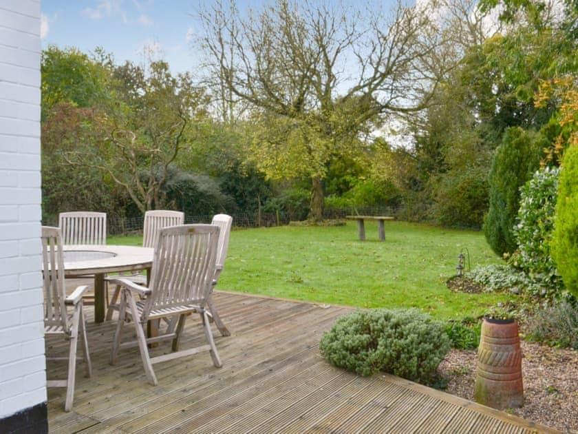 Private garden   Rose Cottage, Bratoft, near Burgh-le-Marsh