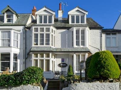 Charming exterior | Skiddaw, Blencathra, Catbells - Hillside Apartments, Keswick