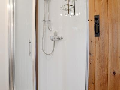 Shower room | Ty Uchaf - Glyngynwydd Cottages and Wedding Barn, Glyngynwydd, near Llanidloes