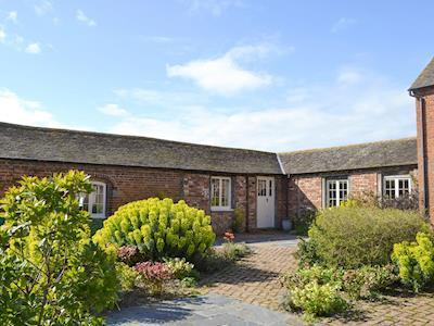 Lovely single storey holiday home | Mill Barn - Collfryn Farm Cottages, Llansantffraid, near Oswestry