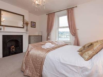 Cosy and romantic double bedroom | Upper Riverdene, Kingswear