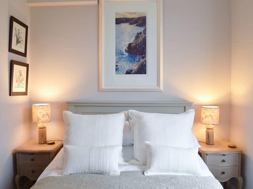 Cosy and romantic double bedroom | Fairhaven 3, Salcombe
