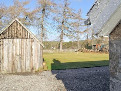Large rear lawned garden | Lynroy, Carrbridge, near Aviemore