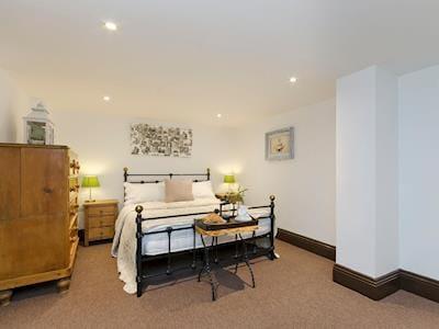 Comfortable double bedroom | Cambridge Lodge (Water Tank), Wensley, near Matlock