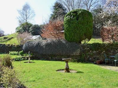Pretty, shared garden | Gilbert Scar Foot, Under Loughrigg, near Ambleside