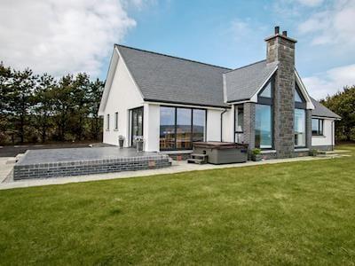 Stunning detached property | Quarter Acre House, Kirkcolm, near Stranraer
