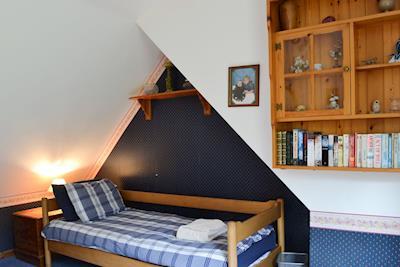 Twin bedroom   Culcharry Cottage, Cawdor, Nairn