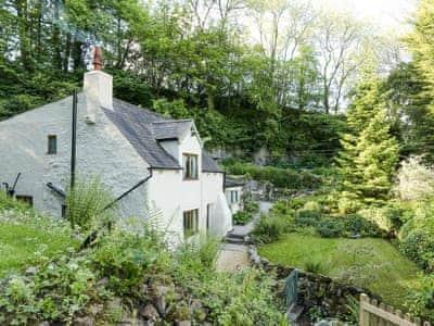 Terrific Rock Valley Rock Cottage Cottages In Matlock Derbyshire Interior Design Ideas Gentotryabchikinfo