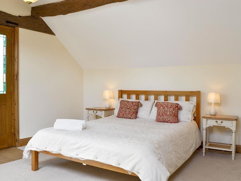 Spacious double bedroom | The Byre - Ruxton Farm, Kings Caple, near Ross-on-Wye