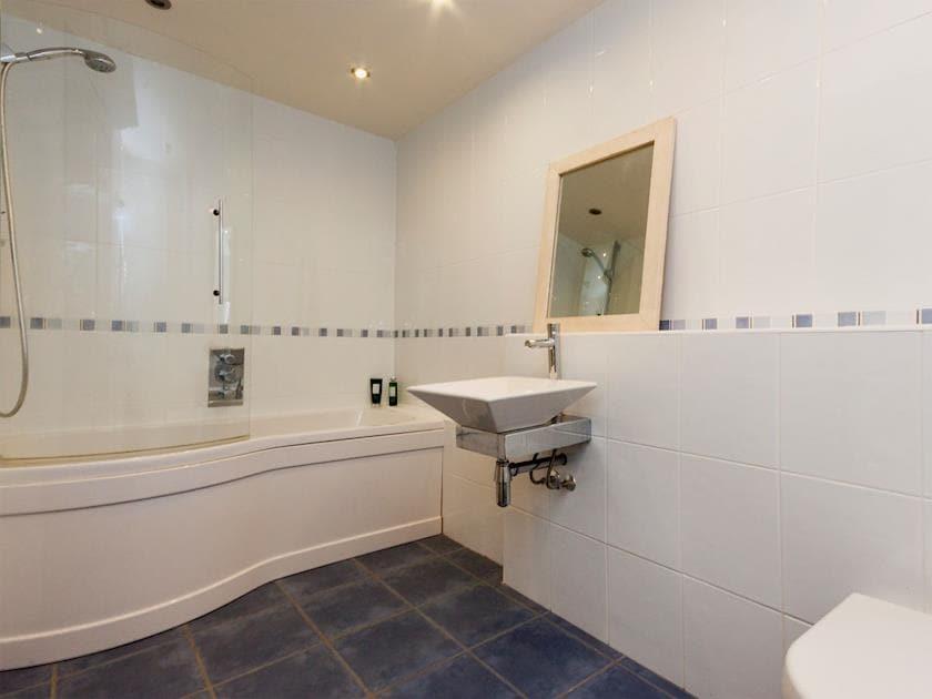 Bathroom | Rew Orchard, Salcombe