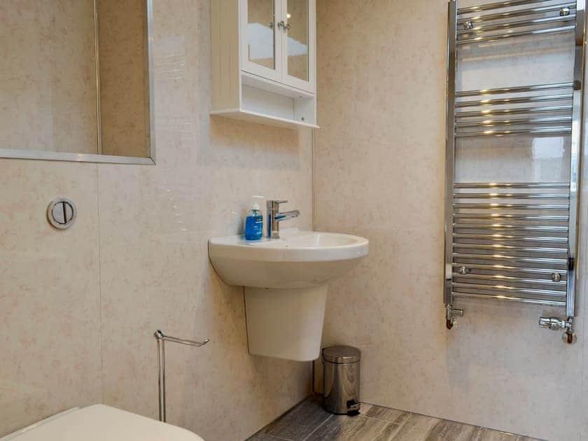 Modern bathroom with bath and shower cubicle | Booth Farm Cottage - Booth Farm, Buxton