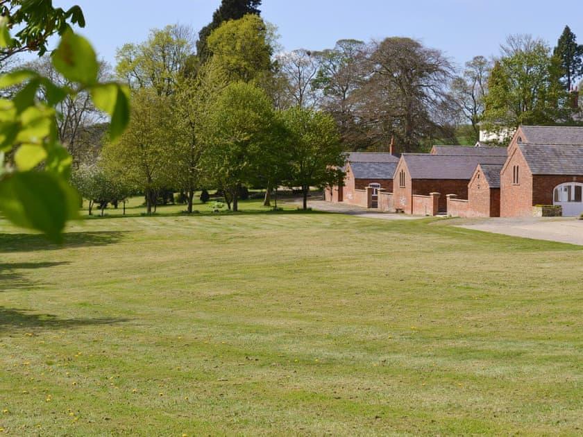 Shared facilities – Large lawned garden areas | Chestnuts Farm Cottages, Binbrook, near Market Rasen