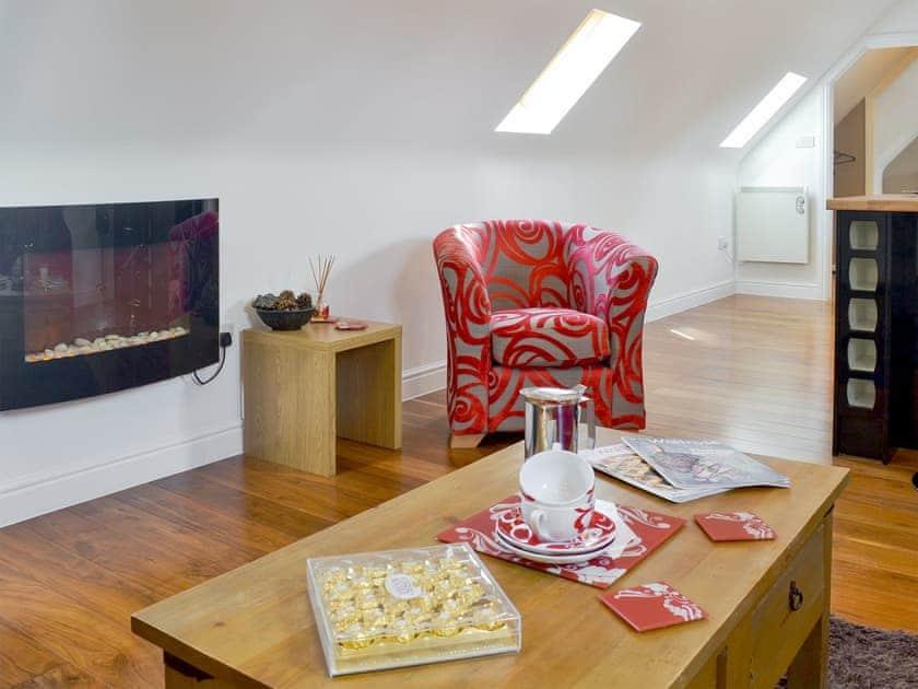 Comfortable open plan living area | The Coach House, Near Wroughton, Swindon