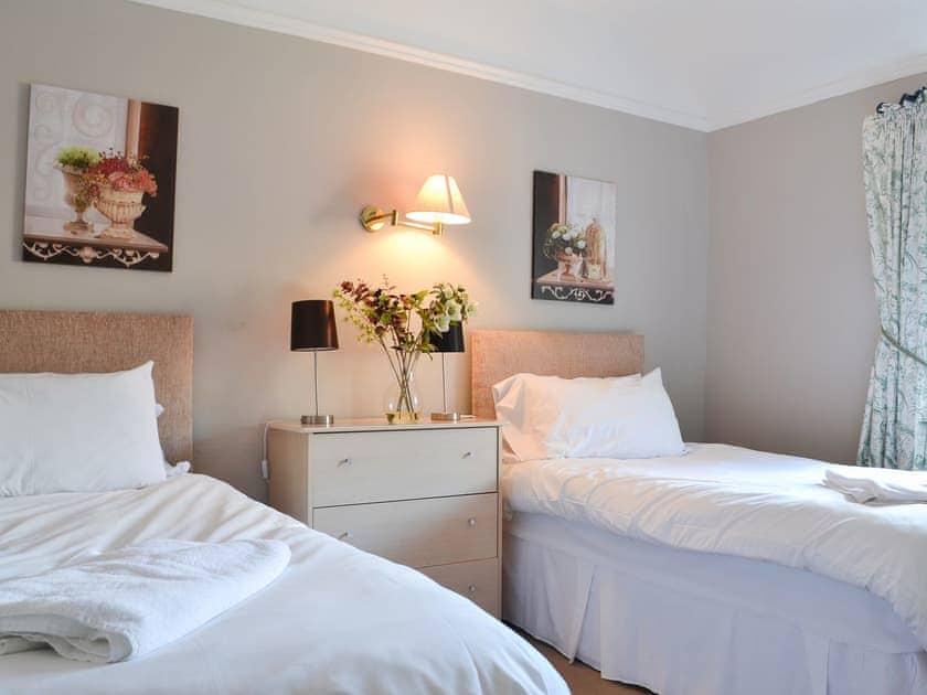 Twin bedroom | The West Wing - Bridge House Cottages, Corbridge, near Hexham