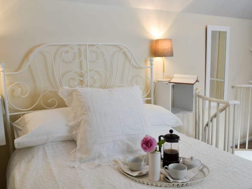 Comfortable double bedroom   The Studio - Knowle Lodge, Cuckfield, near Haywards Heath