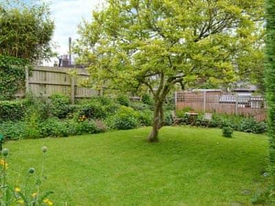 Lawned garden area | Appletree House, Presteigne