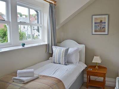 Cosy single bedroom | 1 Kentholme, Grange-over-Sands
