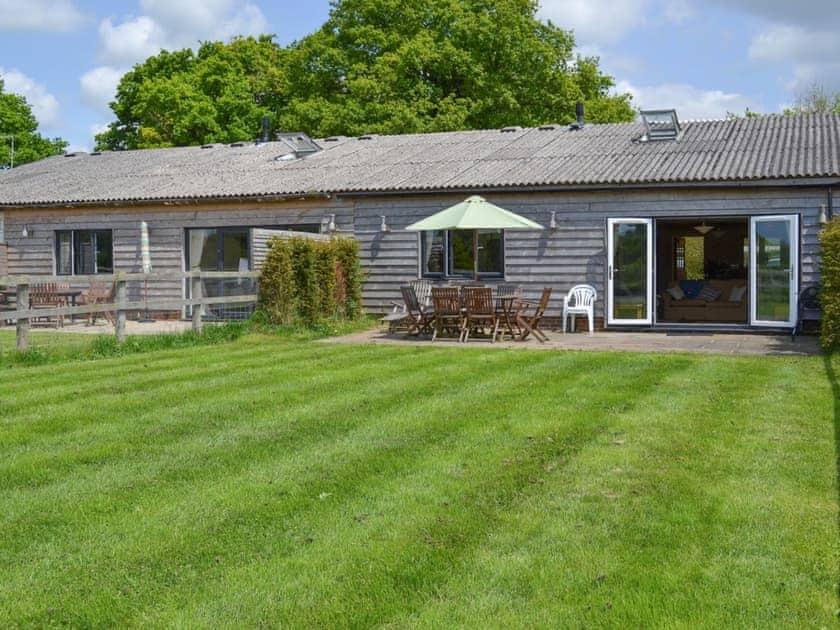 Delightful, lovingly converted former farm building | Stable Cottage - Downlands Farm, Priors Dean, near Petersfield