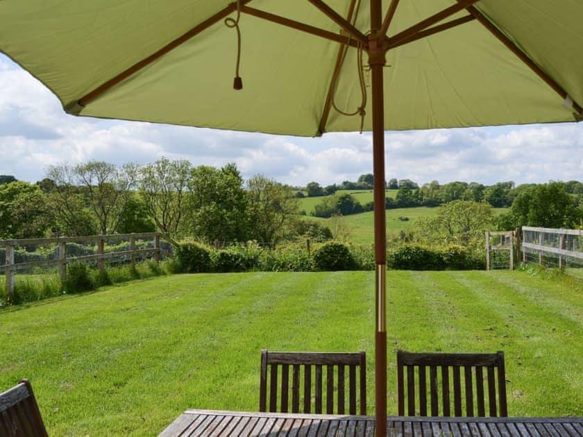 Large lawned garden | Stable Cottage - Downlands Farm, Priors Dean, near Petersfield