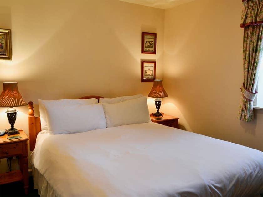 Double bedroom with en-suite shower room   Bizzie Lizzie Cottage - Akeld Manor, Akeld, Wooler