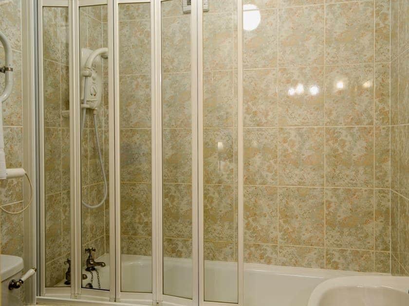En-suite | Freesia Cottage - Akeld Manor, Akeld, Wooler