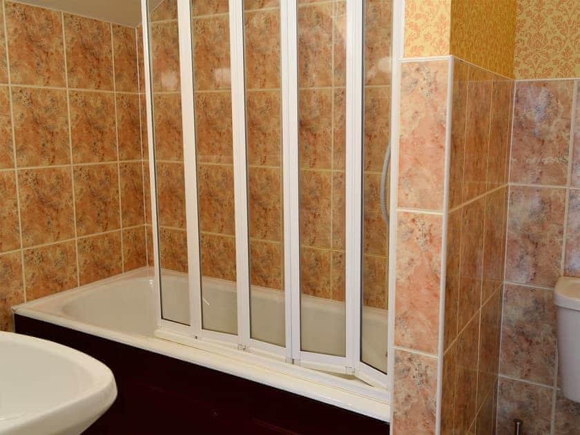 Bathroom | Freesia Cottage - Akeld Manor, Akeld, Wooler